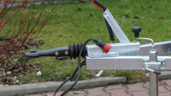 Щепорез бензиновый на шасси с тормозной системой  LS 100/27 CB
