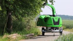Высокопроизводительный дизельный щепорез на шасси с тормозной системой  LS 160 DWB